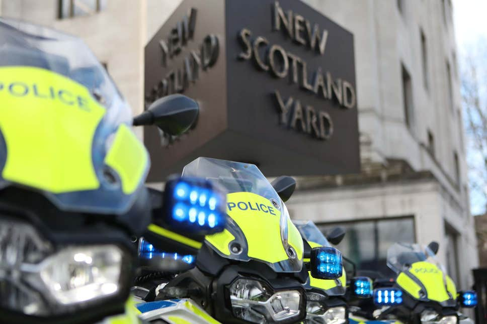 Metropolitan Police appeal: Woman stabbed twice in vicious unprovoked attack