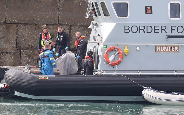 Suspected Illegal Immigrants continue to cross Channel amid 'lockdown'