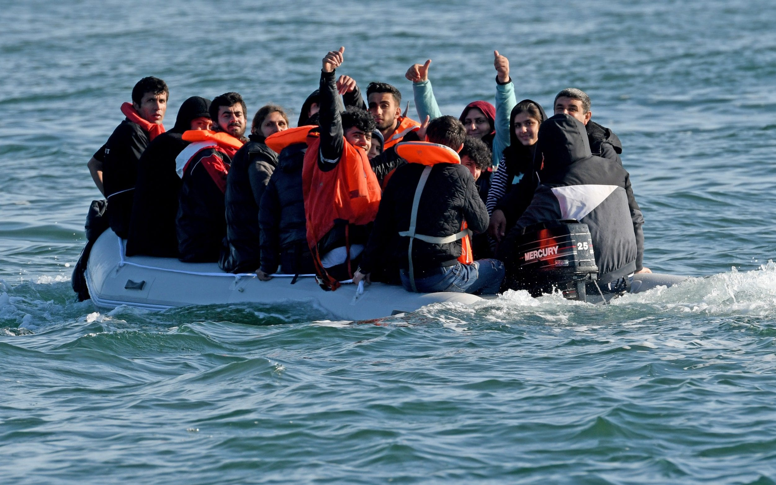At least 650 migrants make illegal English Channel crossing in one week